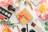 A Cosmetic Lover's Gift List